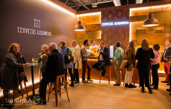 significa-studio-diseño-vestuario-cerveza-Alhambra-2